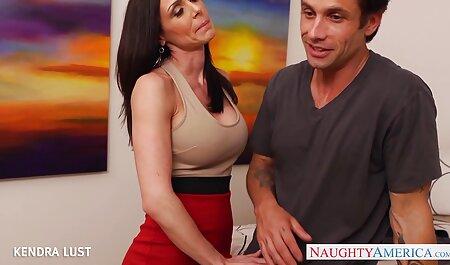 Herrin deutschsprachige sexvideos Jean gibt ihrer Schlampe Sasha, was sie verdient.