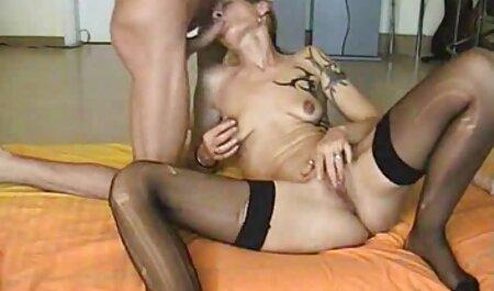 molliges blondes kostenlose deutschsprachige sex videos Hündchen als Gesichtsbehandlung