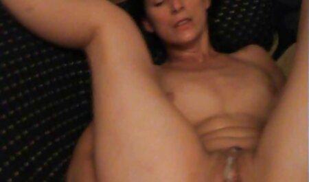 Eine deutsche sexvideos free große Oma in Dessous
