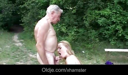 Sexy Blond reitet Schwanz deutsche sexvideos in hd in ihre Möse und ihren Arsch und bekommt ihr Gesicht gespritzt