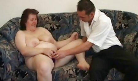 Süße deutsche sexmovis Mutter mit schlaffen Titten, haarigem Un & Guy