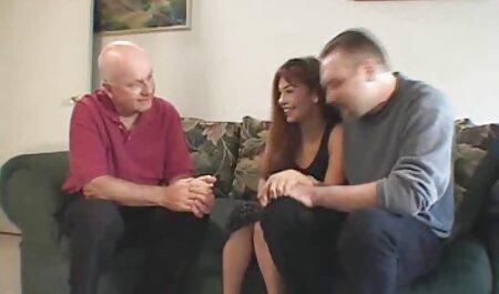 Vollbusiges deutsche sexviedeos Mädchen blinkt für Sperma auf Webcam
