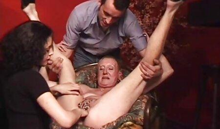Die junge Faye masturbiert und deutsche frauen sex videos lässt ihre Muschi essen