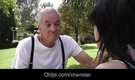 Une deutsche sexclips kostenlos famille dejanter au restaurant