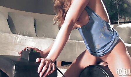 2 deutsche sex videos kostenlos nerdige Küken sitzen einem Kerl gegenüber