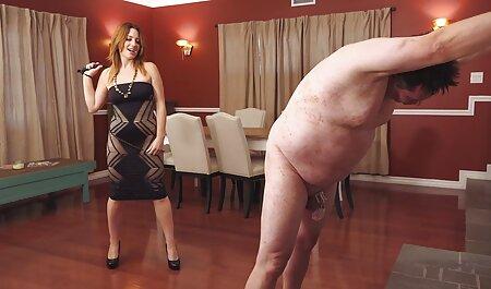 Zeit kostenlose deutschsprachige sexvideos für eine Dusche. Nettes blondes Mädchen schlanker Körper nass.